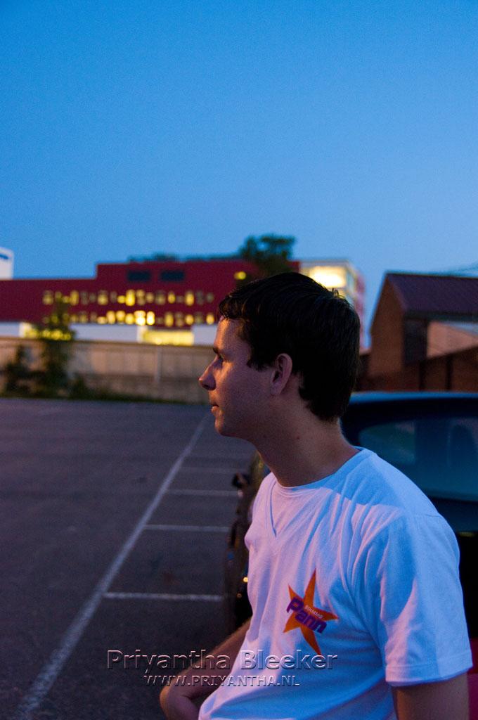 Stefan wacht heel fijn op de ANWB